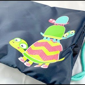 NEW Thirty-One Topsy Turtles Cinch Sac